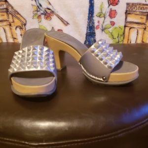 Shoes - NoSox silver heels
